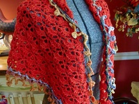 Crochet/Kniting things I like, and I am making / I am making this gorgeous red South Bay Shawlette. I download a free pattern from Lion Brand Yarn Co # 90489AD