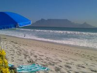 Magical Cape Town - O'Live To Travel (www.o-live2travel.com) / Experience the perfect view of Table Mountain, Signal Hill and Lion's Head from a private self-catering apartment to hand-picked Boutique Hotels (Southern Africa)