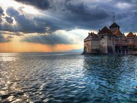 Castles, Palaces, Chateaux, and Royal Residences