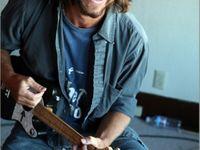 I love Eddie Vedder ( KLo )