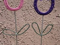 Plain Wire Barb Wire Horseshoe Art