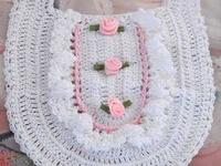 Filet Crochet Baby Bib Patterns : 18 Best images about Crochet Kids Babys Bibs on Pinterest ...
