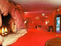 caveman's room