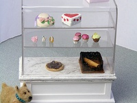 17 best images about glass display cases on pinterest for Vitrine ikea klingsbo