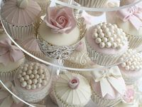 Cupcakes/ Cake