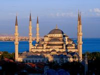 Istanbul / Explore Turkey With Dawn Travels, provides all Muslims in the United States the chance to make their journey to Istanbul a trip to remember.