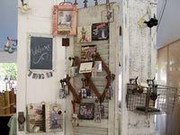 Displays for flea market stuff