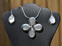 Edelstenen Sieraden / Hanger en oorbellen van zilver met edelsteen