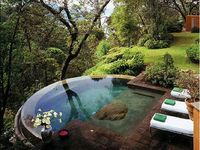 Pools & Water Features