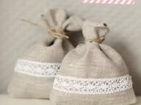 alice in dreamland lavender pillows and sachets favors and flowers