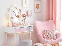 Izzy bedroom
