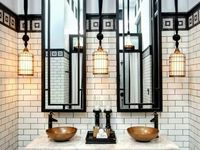 Bathrooms & steam rooms