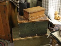 Boxes, trunk and blanket chests