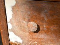 Repairing chipped wood/Veneer/scratches on furniture