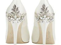 4 X2f 5 Najmodniejsze Buty Slubne Bridelle Wedding Shoe Trend Wedding Accessories Shoes Trending Shoes