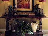 Entryway table decor
