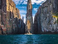 Rock Climb in Australia / Inspirational Places To Rock Climb in places in Australia. These places should definitely be included in your buck lists and things to do before I die.