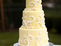 Lemon wedding cakes