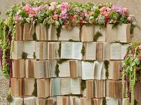Theme dedicated to those whom Live and love books.