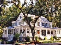 Southern style homes/interiors I like