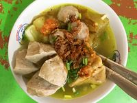 Bakso (Indonesian Beef Ball Noodles Soup)