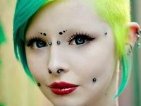 Bodypiercing and extreme modification
