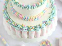 Cake modeling....buttercream & fondant