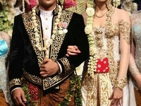 the traditional kebaya / this is how much i love INDONESIA damn i want a weeding like this