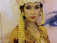 Galeri Prama Rias / Make-up Artist & Bride. With love by Sinka Prama Makeup Artist. Stay based Bandung. Call 0878-2255-6464 or info@pramamakeup.com.