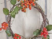 Wreaths for every season. Hopefully some of these will inspire me! :0)