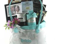 Wedding Gift Hampers Dubai : ... on Pinterest Wedding gift baskets, Perfect wedding gifts and Dubai