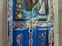 Doors/keys/knockers & knobs!