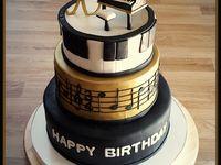 piano cakes