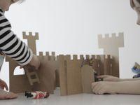 Cosas hechas con cartón. Juguetes, sillones,...