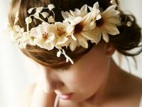 fiori,coroncine,fermagli,diademi e tutto quello che fa la differenza!