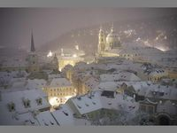 Snow in Prague is so magical! There is nothing like a blanket  of snow covering all these amazing buildings ...