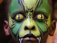 ALL HALLOWS EVE FACE PAINT & COSTUMES