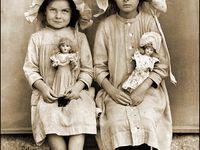 Niñas con muñecas