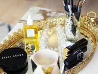 Vanities, Makeup tables
