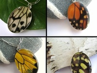 The art of making jewelry from paper strips