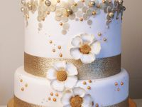 Gold or Silver Cake & Cupcakes