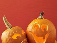 1000 images about halloween decor on pinterest easy for Glow in the dark paint for real pumpkins