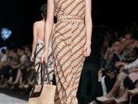 Batik, tenun dan kebaya