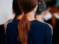 Make-up, coiffures... Découvrez tous les temps forts beauté repérés sur les podiums des Fashion Weeks. Looks beauté  Board