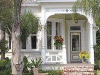 Cozy Cottages On Pinterest Cottages Curb Appeal And Tudor