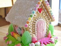 GINGERBREAD HOUSE'S (HOLIDAYS)