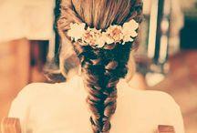Novias Mirtha / Tocados, diademas, coronas, cinturones... el complemento perfecto para el gran día con las flores como protagonistas. Flores para una flor.
