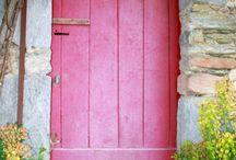 Doors / by Regina França