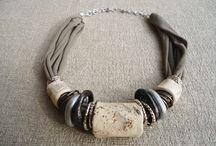 COLLANE ARTIGIANALI IN ARGILLA  TUBES COLLECTION / Collane realizzate artigianalmente con argilla a freddo modellata e decorata a mano abbinata a spirali in wire alluminio e anelli argilla