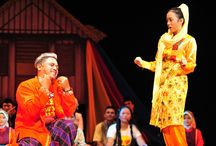 The amusing festival of traditional theater in Jakarta